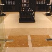 Мраморный пол в отеле Premier Palace