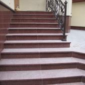 Лестница из лезниковского гранита