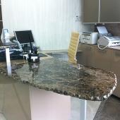 Мраморная столешница для офисной мебели