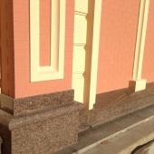 Фрагмент фасада дома на улице Шелковичной .JPG